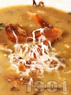 Гъбено-картофена крем супа с рижики, сърненки и лимонки - снимка на рецептата